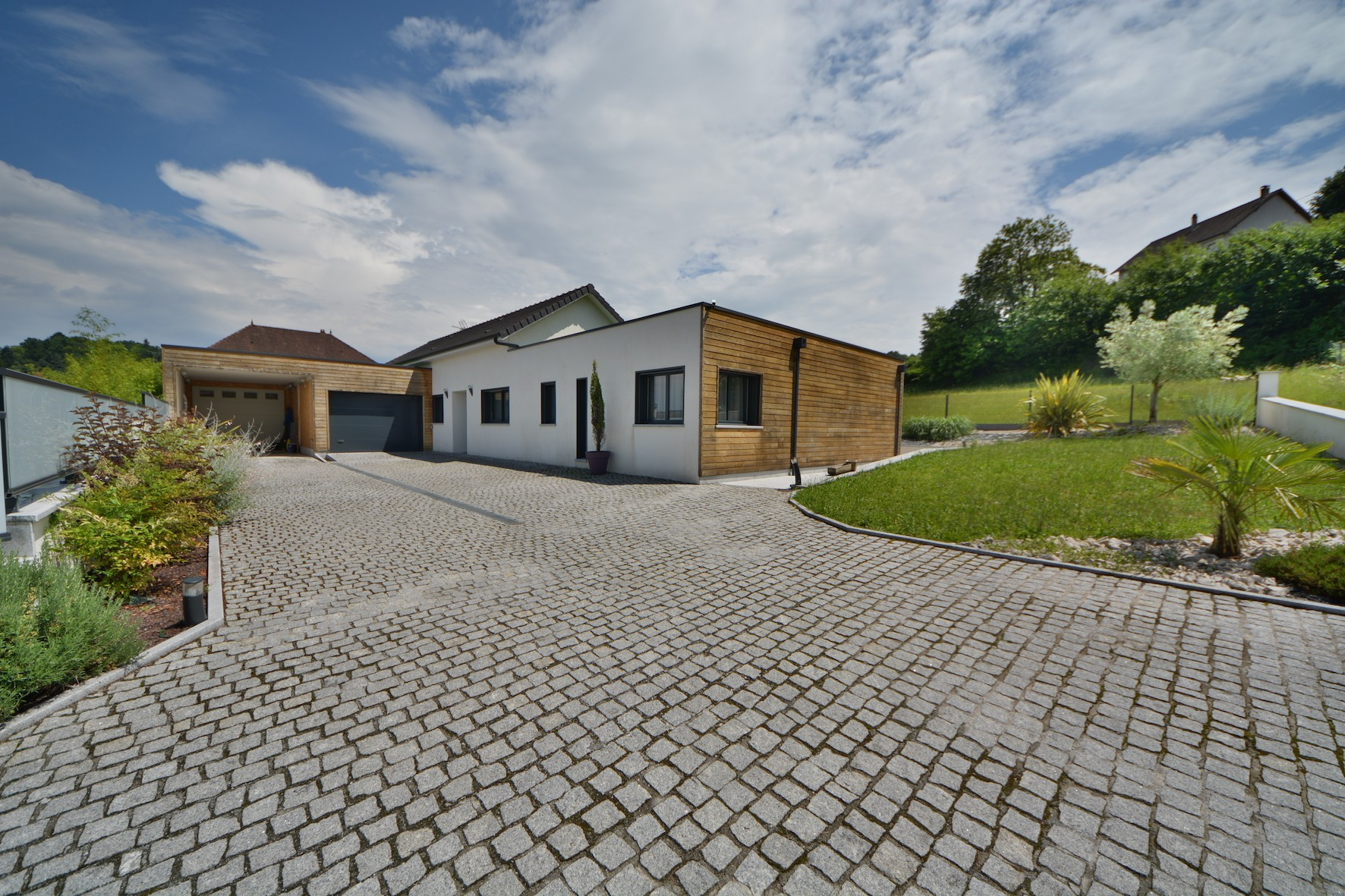 Maison a brive ventana blog for Architecte brive la gaillarde